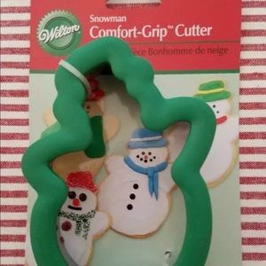 NWOT 2 Wilton Comfort Grip Snowman Cookie Cutters